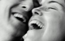 O Poder de uma Boa Risada e seus Benefícios a Saúde: Sorrir faz bem