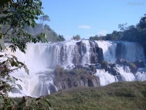 cachoeira de araguaiana 300x225 Lindas Paisagens Brasileiras   Confira as mais Belas Fotos do Brasil