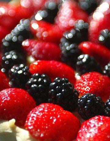 frutas vermelhas Picolé Caseiro de Iogurte com Frutas Vermelhas   Delicioso e Prático