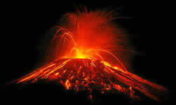vulcao em erupcao 3 Vulcões em Erupção: As Fotos mais Incríveis da Furia da Natureza, Veja