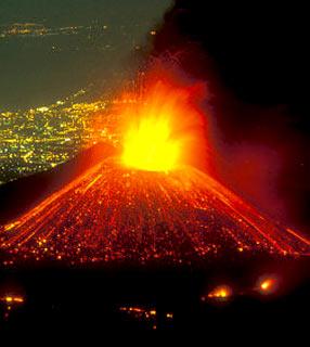 vulcao em erupcao 4 Vulcões em Erupção: As Fotos mais Incríveis da Furia da Natureza, Veja