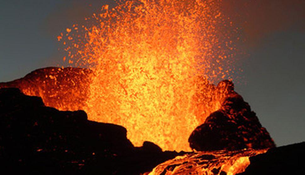 vulcao em erupcao foto Vulcões em Erupção: As Fotos mais Incríveis da Furia da Natureza, Veja