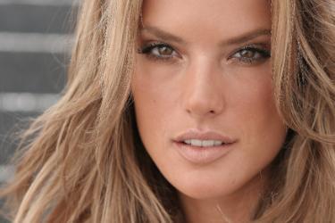 alessandra ambrosio model As 10 Modelos mais Bem Pagas do Mundo 2011   Forbes Divulga a Lista