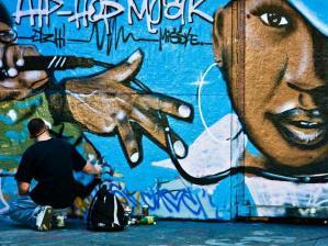 grafite hip hop Tudo sobre Grafite: História, Desenhos, Gírias, Manifestação Artística