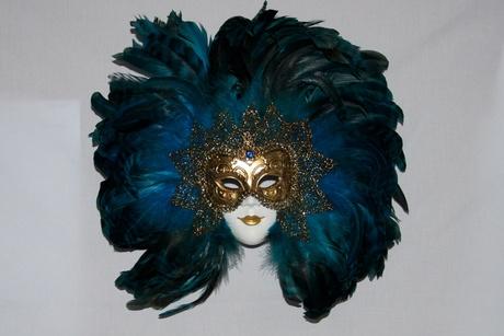 mascara grande com plumas Máscaras Venezianas para Bailes   Lindos Modelos e Lojas para Comprar