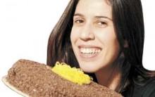 Maria Clara Gueiros de Insensato Coração Ensina Torta de Chocolate