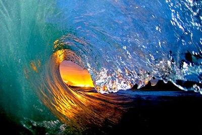 onda giante foto1 Ondas Gigantes   Fotos das Maiores Ondas, Ideais para o Surf   Confira