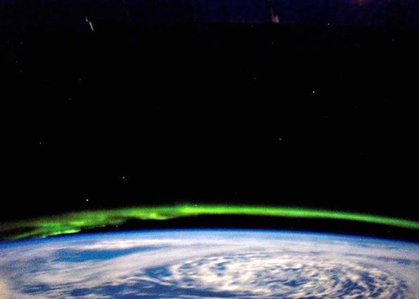 aurora boreal campo magnetico terrestre Aurora Boreal e Aurora Austral: O que é, Causas, Diferença e Fotos