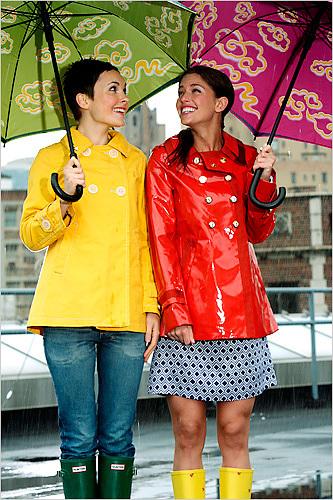 capa de chuva fashion Moda Chuva e Tendências   Como se Vestir em Dia de Chuva