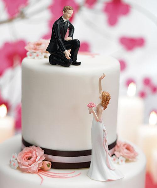 noivos de bolo 2 Noivos de Biscuit, Bolo de Casamento: Fotos de Noivinhos Engraçados