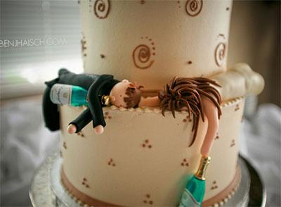 noivos de bolo de casamento Noivos de Biscuit, Bolo de Casamento: Fotos de Noivinhos Engraçados