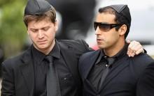 """""""O Impostor"""" Invade Velório de Amy Winehouse: Fotos, Daniel, Pânico TV"""