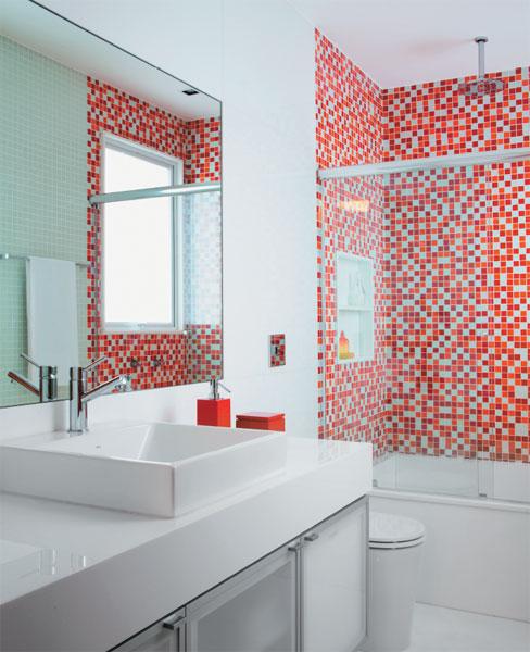 Pastilhas de Vidro na Decoração Cozinha e Banheiro, Cores, Modelos -> Banheiros Com Pastilhas Apenas No Box