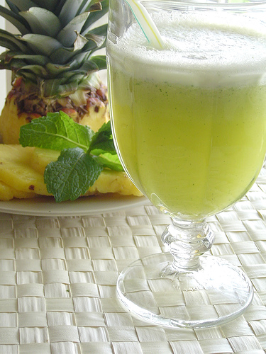 grey Suco de Abacaxi com Hortelã   Refrescante e Saudável   Confira receita