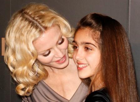 madonna e filha Aniversário de Madonna, 16 de Agosto: Biografia e Fotos da Carreira
