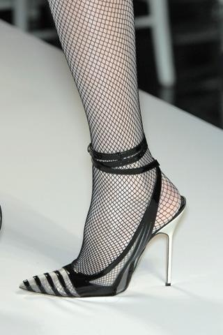 sapato de bico fino Moda dos Sapatos de Bico Fino 2012: Lindos Modelos de Scarpins, Cores