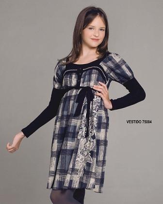 9e899e5a96 Prendas de vestir exteriores de todos los tiempos  Vestidos infanto ...