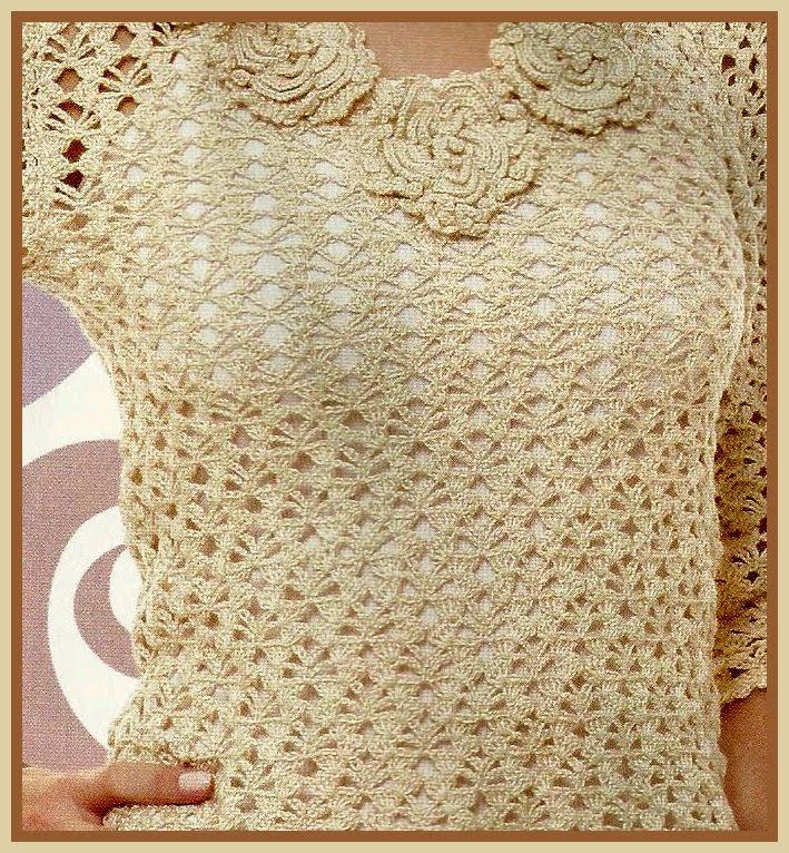 blusa rendada com flores no decote 001 2 Blusas Rendadas em Crochê da Moda   Confira Lindos Modelos e Gráficos