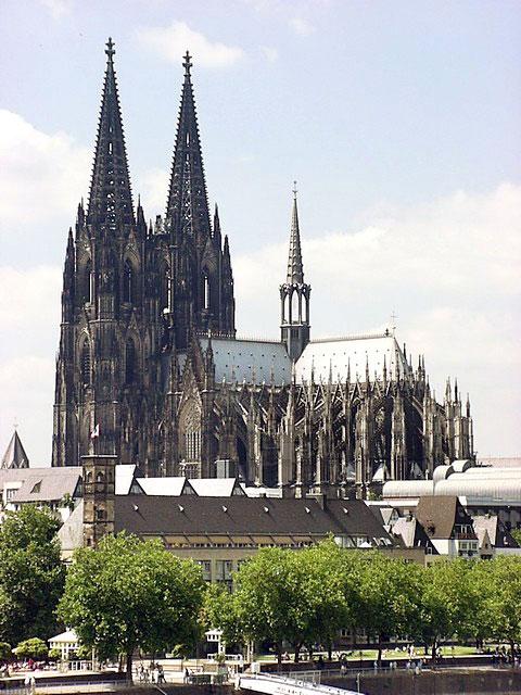igreja arte gotica Resumo sobre Arte Gótica: Arquitetura, Pinturas, Vitrais e Esculturas