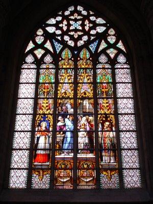 vitrais goticos Resumo sobre Arte Gótica: Arquitetura, Pinturas, Vitrais e Esculturas