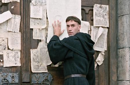 luther movie Tudo sobre Martinho Lutero: Resumo Biografia, Reforma Religiosa, Teses