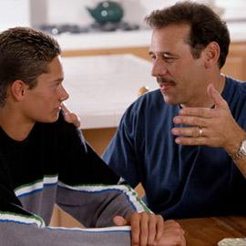 pai e filho O que Fazer Quando seu Filho é Reprovado na Escola: O que Dizer e mais