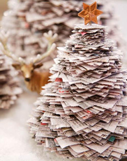 arvore natal jornal Decoração de Natal Sustentável: Reciclagem de Enfeites e Dicas Baratas
