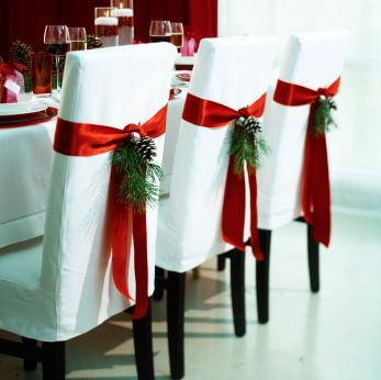 cadeiras natal Decoração de Natal Sustentável: Reciclagem de Enfeites e Dicas Baratas