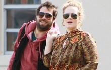 Adele tem Novo Namorado: Foto da Cantora aos Beijos com Simon Konecki