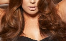 Modelos Plus Size em Capas de Revistas Mulheres Gordinhas em Alta Foto