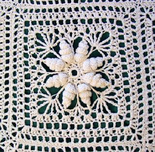 square colcha barbante 1 Colchas de Crochê em Barbante Crú e Colorido  Confira Fotos e Modelos