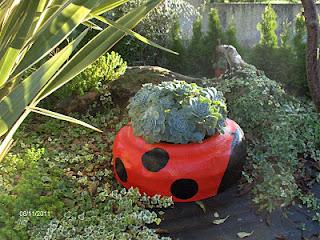 joaninha pneu usado Reutilizar e Pintar Pneus Usados com Brinquedos, Móveis, Vasos