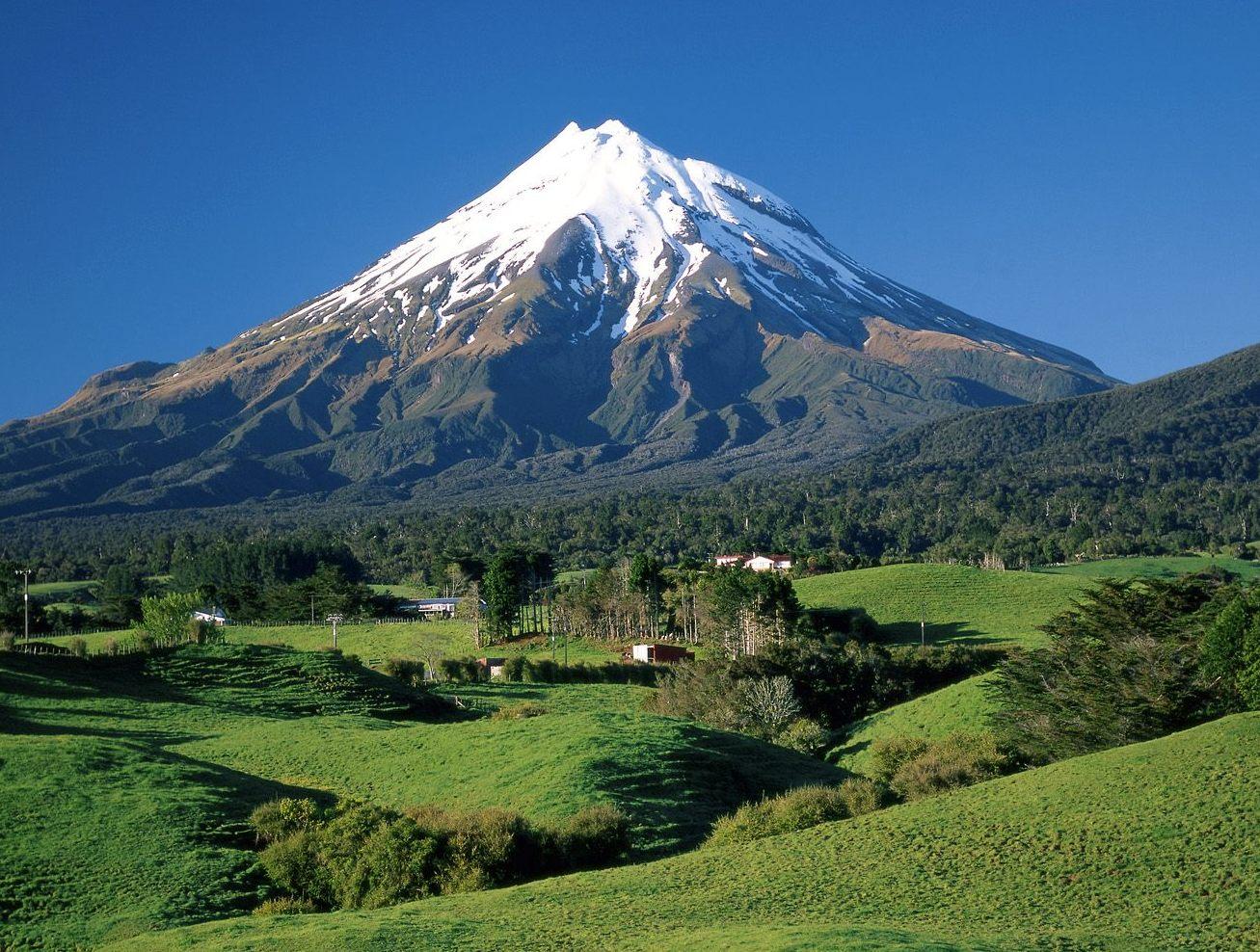 mount taranaki nova zelandia1 Nova Zelândia Paisagens: Fotos de Montanhas, Natureza, Turismo no País