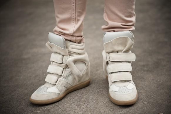 sneaker tipo isabel marant Tênis com Salto Alto Moda: Arezzo, Marcas, Modelos, Como Usar e Preços