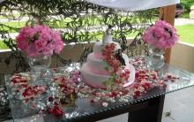 Decoração Mesa de Bolo para Casamento: Decorar a Mesa do Bolo da Noiva