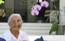Morre Mãe Caetano Veloso e Maria Bethânea aos 105 anos: Foto Dona Canô