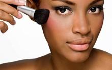 Maquiagem para Pele Negra: Blush, Sombra, Batom, Cores e Vídeo Dicas