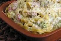 Macarrão com Brócolis e Linguiça: Receita Massa Creme Branco e Queijo