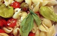 Salada Revigorante; Receita Nutritiva com Macarrão, Atum, Queijo