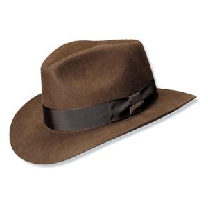 Sabe aquele chapéu usado pelo personagem Indiana Jones nos filmes da saga  que recebeu o seu nome  Pois então 5a5d6dc5859