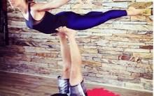 Acroyoga – Yoga e Acrobacia  Exercício e Massagem Relaxante