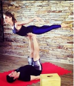 acroyoga-fitness-exercicios-gisele-bundchen-grazi-massafera-
