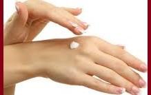 Cuidados com as Mãos Rachadas – Remédios Caseiros
