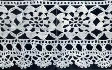 Bico de Crochê largo com Flores – Receita PAP e Foto Ampliada da Amostra do Barrado