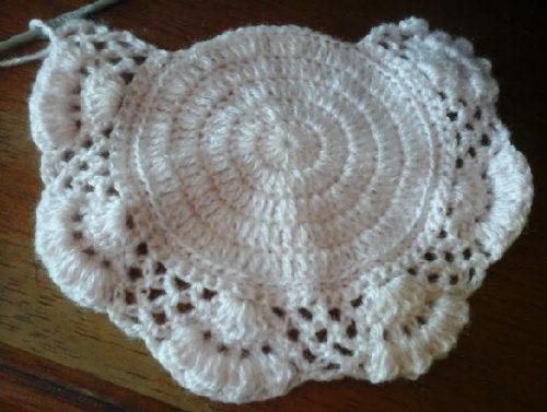 Touca de Crochê Retro para Bebê Linda – Receita Ponto Fantasia 68590ee6bc5