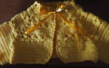 Bolero de Crochê para Bebê – Receita de Pala com Flor para Casaquinho PAP