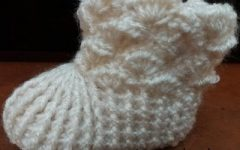 Botinha de Bebê de Crochê Sanfonado, Barra e Ponto Concha – Receita PAP