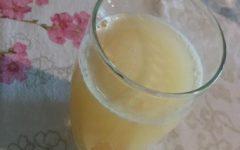 Suco Anti-inflamatório com Abacaxi, Pepino, Gengibre, Limão e Açafrão